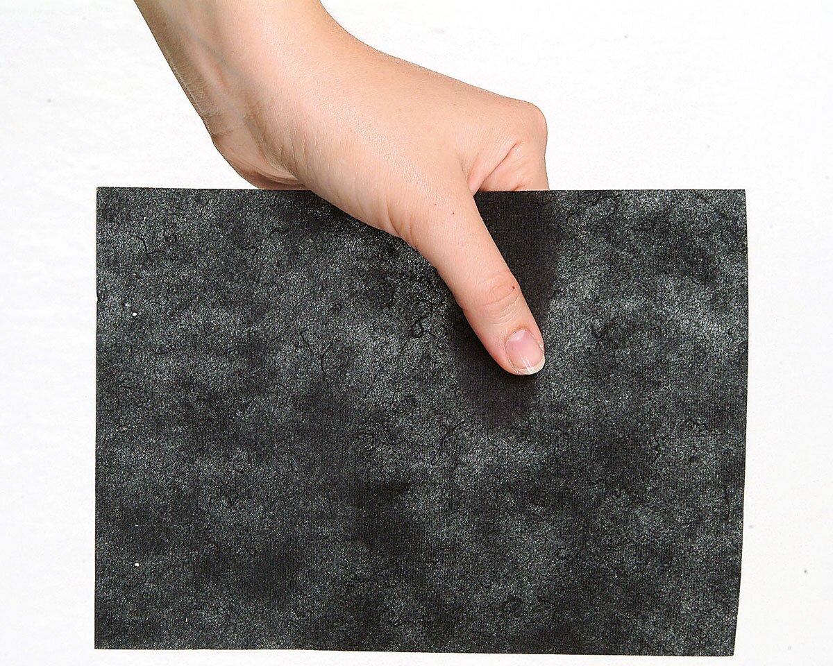 10 m Stickvlies schwarz zum Abreißen Cotton Soft  von Madeira 30 cm breit 9437